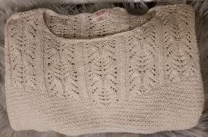thredup-sweater-womens-apparel
